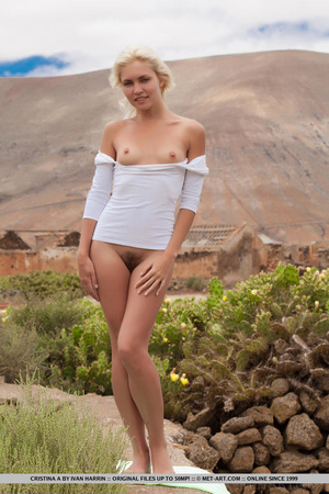 Blue eyed blondie shows that desert summ - XXX Dessert - Picture 5
