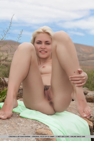 Blue eyed blondie shows that desert summ - XXX Dessert - Picture 10