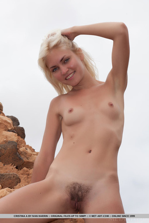 Blue eyed blondie shows that desert summ - XXX Dessert - Picture 17