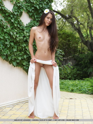 Sexy nude babes having sex