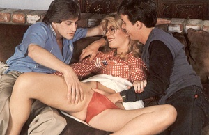 Two seventies guys helping a horny and h - XXX Dessert - Picture 2