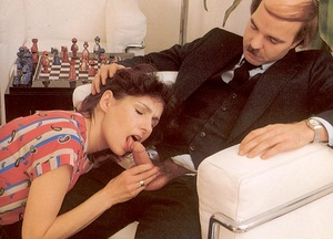 Hairy seventies lady enjoys a big stylis - XXX Dessert - Picture 5