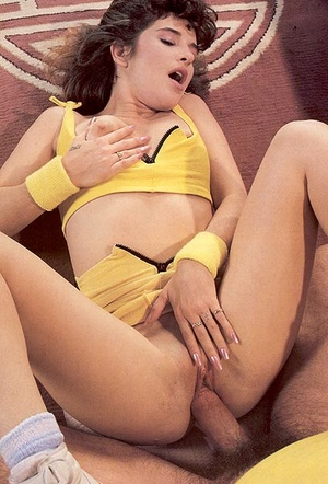Shaved eighties lady loves to get naught - XXX Dessert - Picture 12