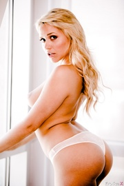 flashy blonde with tasty