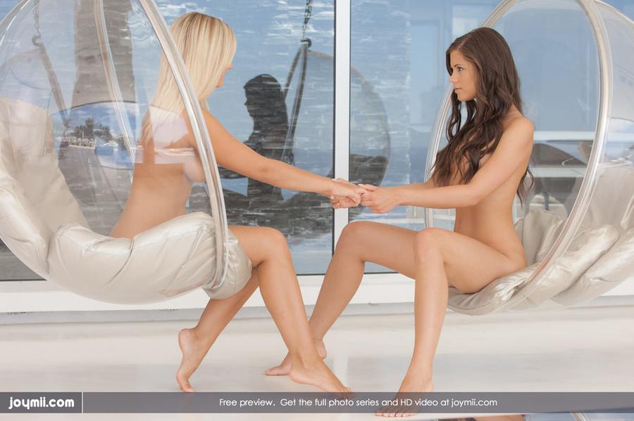 Webcam lesbians dating masturbatian
