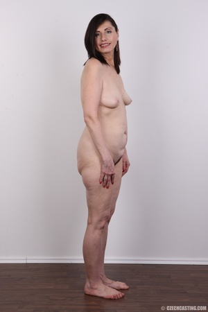 Slightly chubby sexy matured chick shows - XXX Dessert - Picture 10