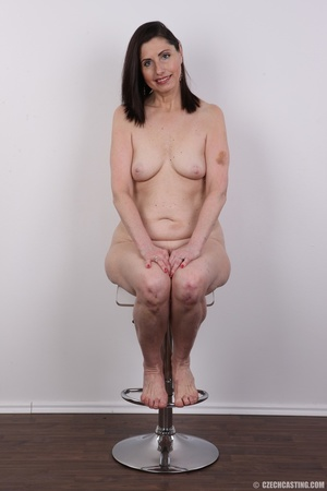 Slightly chubby sexy matured chick shows - XXX Dessert - Picture 13