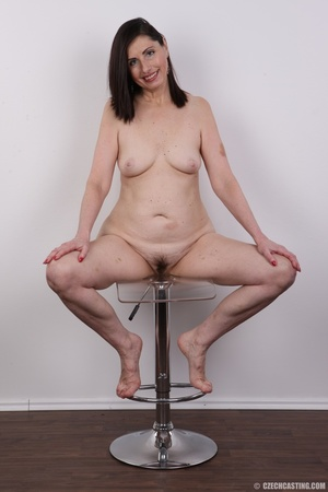 Slightly chubby sexy matured chick shows - XXX Dessert - Picture 14