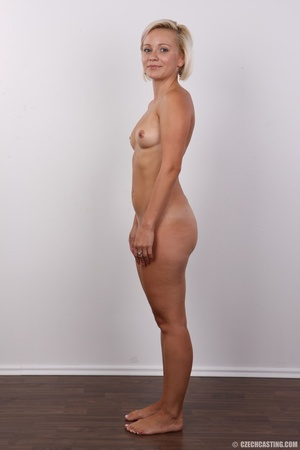 Hot sexy blonde mama shows her amazing c - XXX Dessert - Picture 14