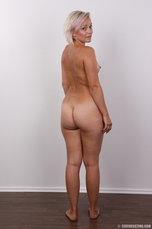 Hot sexy blonde mama shows her amazing c - XXX Dessert - Picture 18