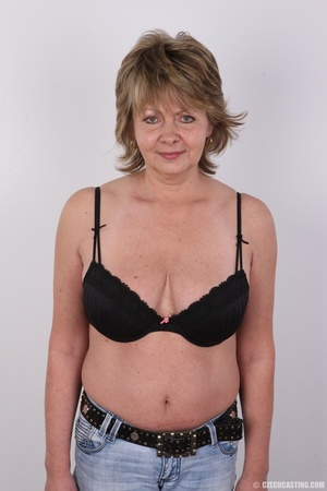 Hot and naughty granny looking for fun d - XXX Dessert - Picture 4