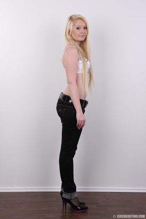 Longhaired blonde strips to show off her - XXX Dessert - Picture 4