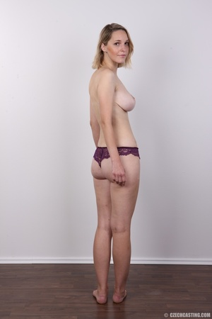 Seductive blonde looking for fun shows c - XXX Dessert - Picture 9