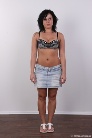 Tanned hot wild fire chick shows bouncy  - XXX Dessert - Picture 3