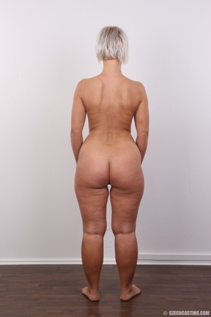 Hot blonde mom with sexy fat ass shows i - XXX Dessert - Picture 16