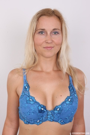 Naughty blonde lady with blue eyes shows - XXX Dessert - Picture 4