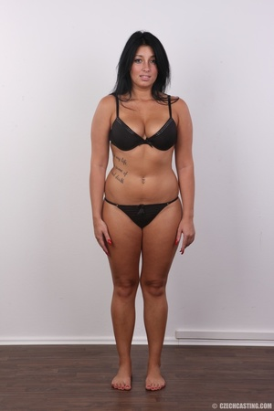 Chubby sexy chick with black hair shows  - XXX Dessert - Picture 5