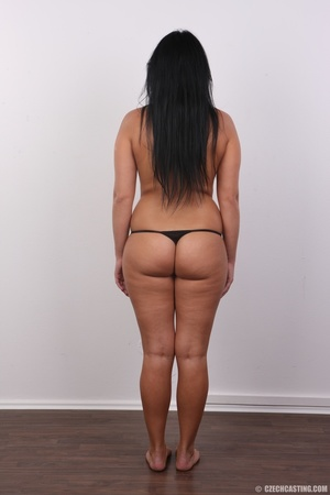 Chubby sexy chick with black hair shows  - XXX Dessert - Picture 9