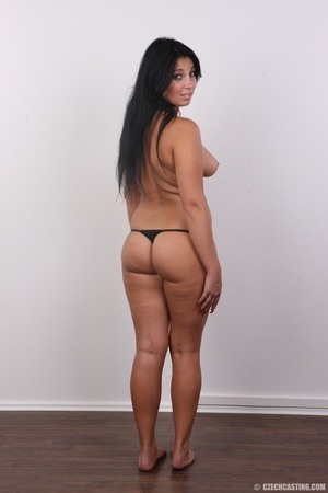 Chubby sexy chick with black hair shows  - XXX Dessert - Picture 10