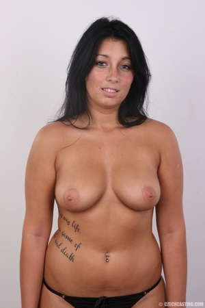 Chubby sexy chick with black hair shows  - XXX Dessert - Picture 11
