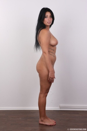 Chubby sexy chick with black hair shows  - XXX Dessert - Picture 16