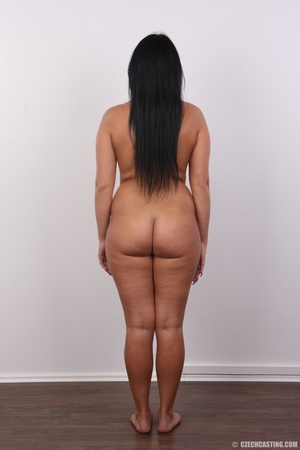 Chubby sexy chick with black hair shows  - XXX Dessert - Picture 17