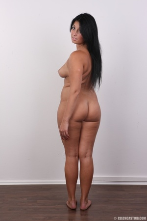 Chubby sexy chick with black hair shows  - XXX Dessert - Picture 18