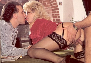 Hairy lady pleasing two eighties dicks a - XXX Dessert - Picture 6