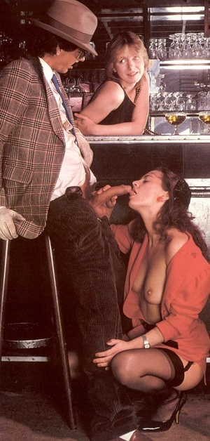 Seventies mobster and two ladies going w - XXX Dessert - Picture 6