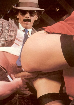 Seventies mobster and two ladies going w - XXX Dessert - Picture 9