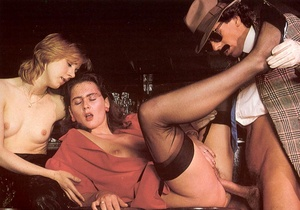 Seventies mobster and two ladies going w - XXX Dessert - Picture 10