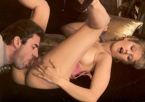 Shaved seventies lady invites a strange  - XXX Dessert - Picture 7