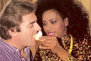 Black eighties lady loves a big white co - XXX Dessert - Picture 3