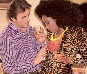 Black eighties lady loves a big white co - XXX Dessert - Picture 4