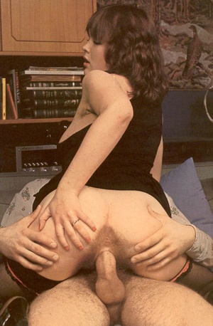 Thick retro lady loves to please a big c - XXX Dessert - Picture 10