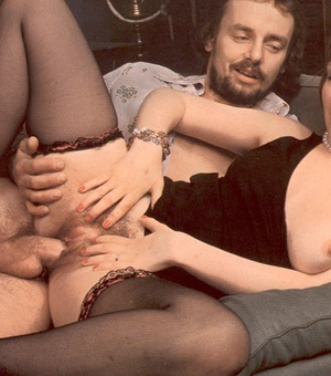 Thick retro lady loves to please a big c - XXX Dessert - Picture 14