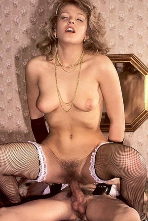 Hairy seventies lady pleasing a young st - XXX Dessert - Picture 9