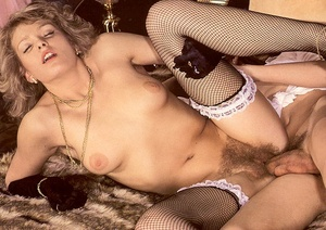 Hairy seventies lady pleasing a young st - XXX Dessert - Picture 13