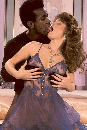 Horny lady catches a black retro thief b - XXX Dessert - Picture 8