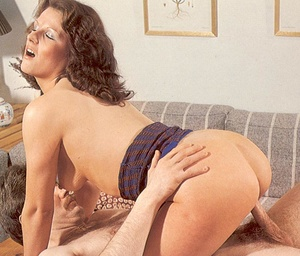 Cockloving seventies mom enjoys a big st - XXX Dessert - Picture 10