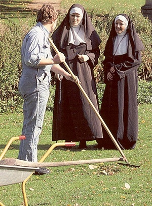 Two slutty retro nuns sharing the garden - XXX Dessert - Picture 2