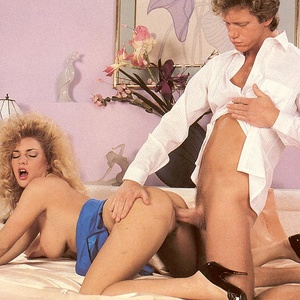 Retro blonde receives a sticky load of c - XXX Dessert - Picture 7