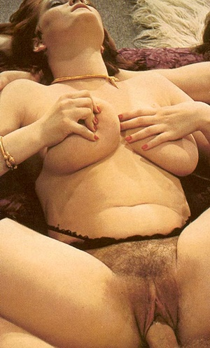 Hairy seventies lady loves to please thr - XXX Dessert - Picture 12