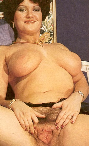 Hairy seventies lady loves to please thr - XXX Dessert - Picture 14