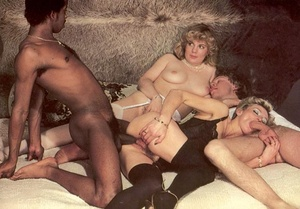 Two seventies couples playing dirty sexu - XXX Dessert - Picture 14