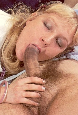 Hairy seventies girl fucked and creamed  - XXX Dessert - Picture 9