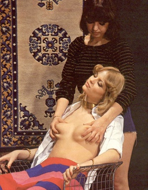 Two hairy seventies lesbians playing dir - XXX Dessert - Picture 3