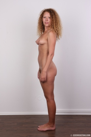 Curly hair chick with cute big ass shows - XXX Dessert - Picture 16