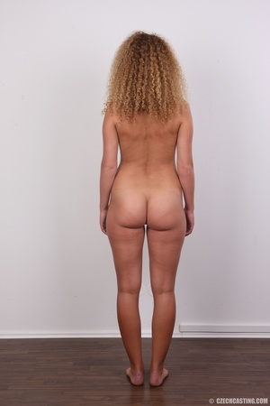 Curly hair chick with cute big ass shows - XXX Dessert - Picture 17