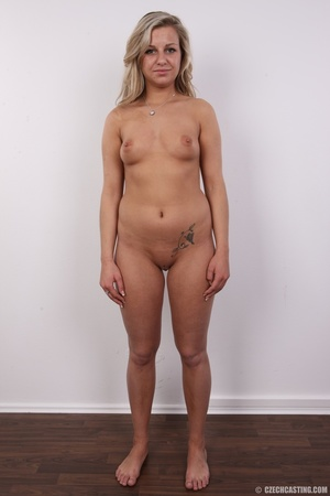 Long hair blonde with voluptuous body sh - XXX Dessert - Picture 10